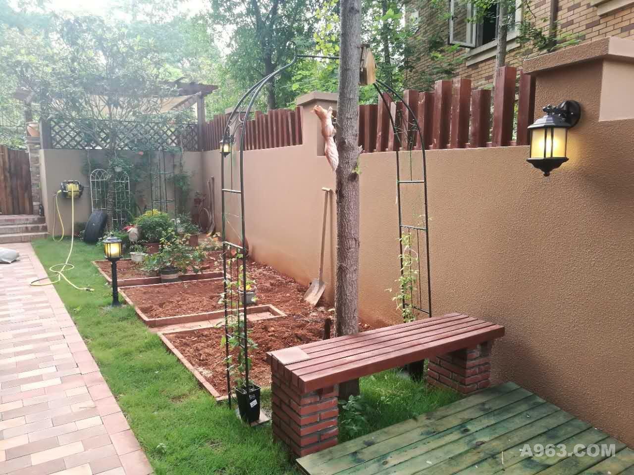 期:25天 设计说明:本案别墅花园设计为欧式田园风格,主要分为前庭后院